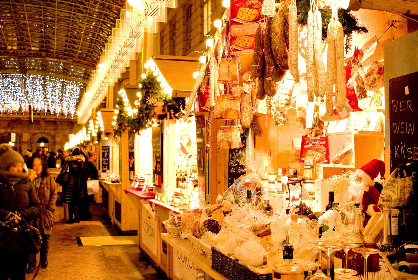 Adventgenussmarkt bei der Wiener Staatsoper